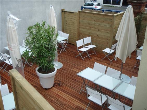 Terrasse bois en collaboration avec le cabinet d'architecture Wilfrid SURGET sur NANTES - 44000